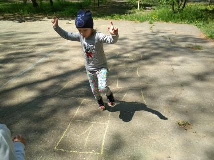Игровая программа «Солнце, воздух и туризм укрепляют организм»