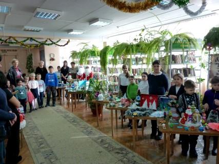 Творческие новогодние работы читателей библиотеки «Ярмарка новогодних сюрпризов»