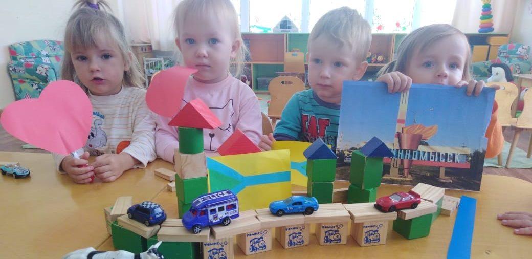Выставки творческих работ детишек города в рамках Дня города