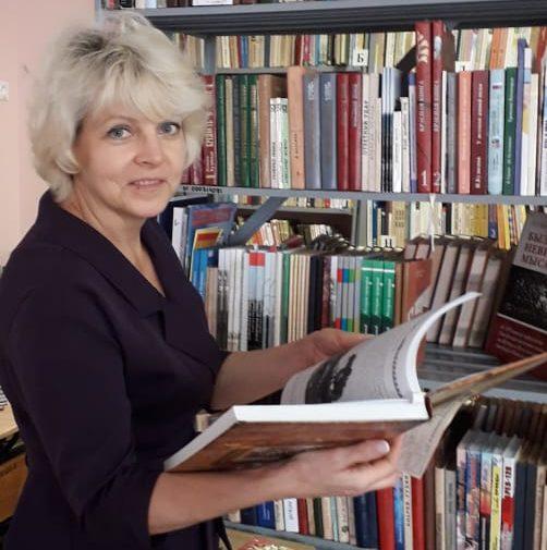 """Акция """"О малой Родине читаем книги """" от читателей библиотеки"""