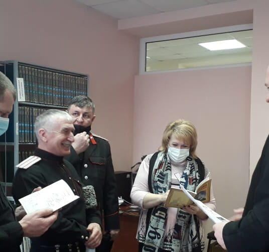 Православную гимназию посетила делегация МБОУ СОШ №8 и представителей казачества